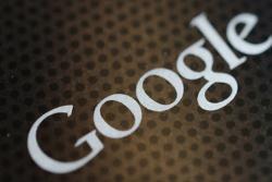 """Число запросов на снятие материалов в """"Google"""" удвоилось"""